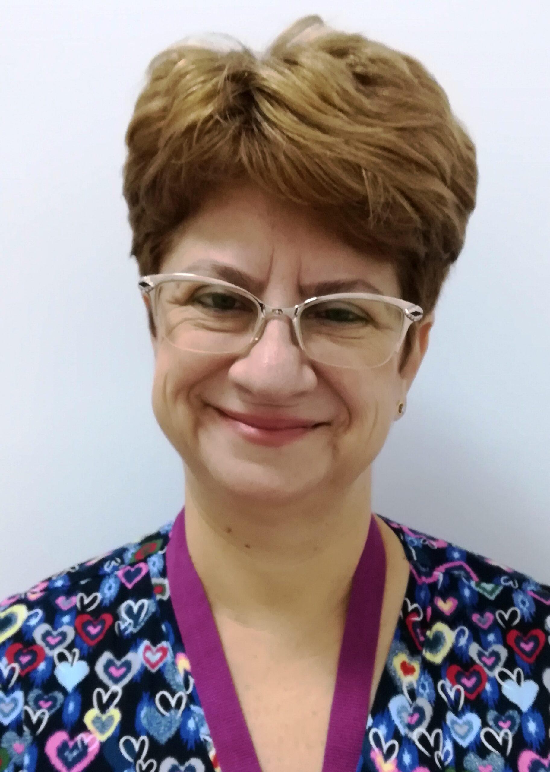 """Dr. Gabriela Mihăilescu, neurolog despre pacienții cu scleroză multiplă : ,,Sunt oameni la fel ca și ceilalți, au dreptul la o viață normală"""""""